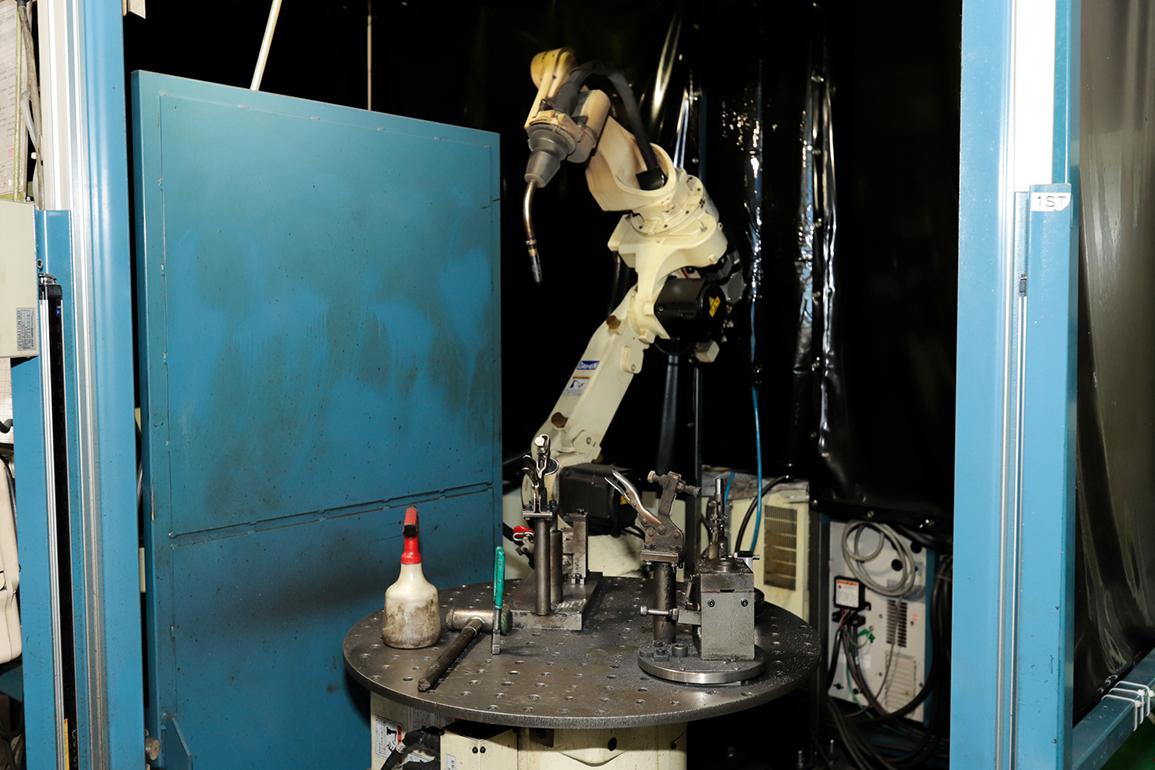 (株)不二越 溶接ロボットNB04 FD11